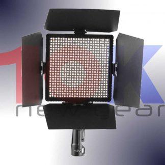 10Knew-Strand-Lighting-STUDIO-PANEL-MKII